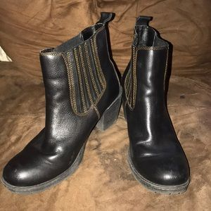 B.O.C. Black Short Leather Boots Booties Size 10